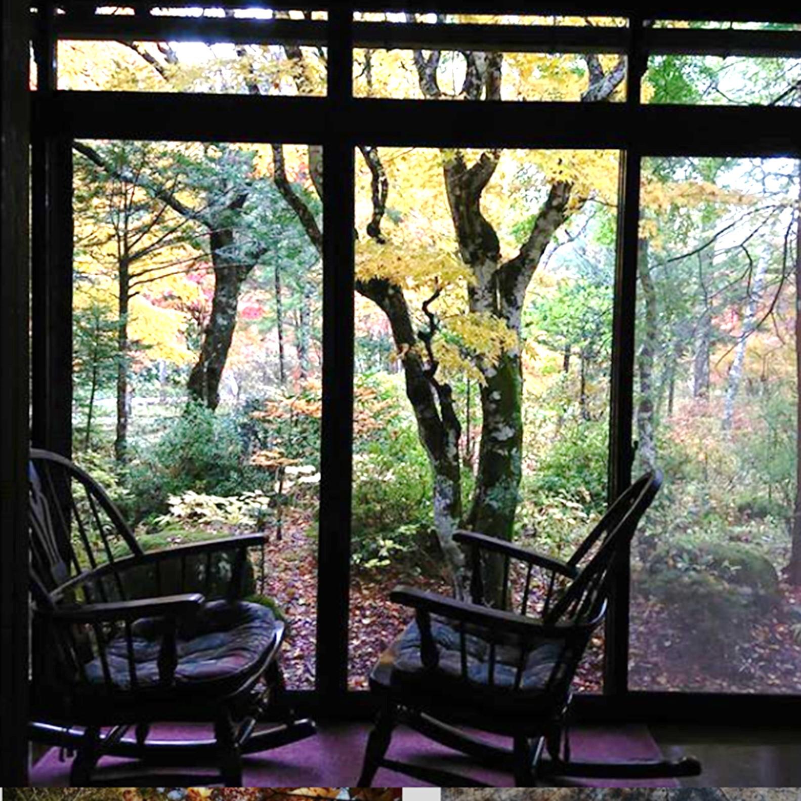 秋神温泉の部屋の様子