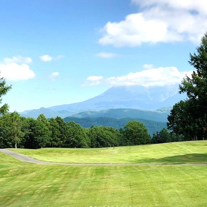 乗鞍岳・御岳山が見える絶景ゴルフ場