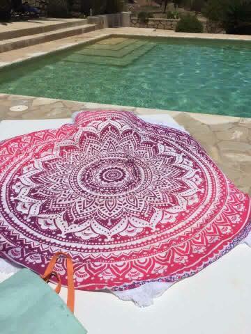 Roze Roundie zwembad Ibiza Beachtowel