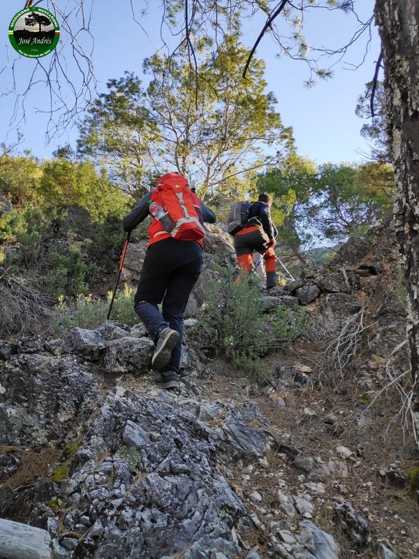 Antigua senda que va desde Vado Rosales, Puntal de la Cerrada al cortijo de Los Villares
