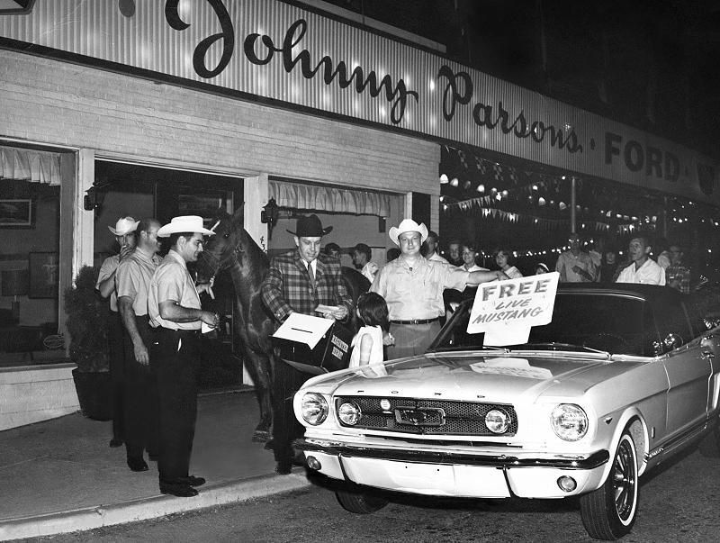 Bereits vier Tage später, am 09. März 1964, begann die Auslieferung an die Ford-Händler. (Bild: Ford, GeraMond)