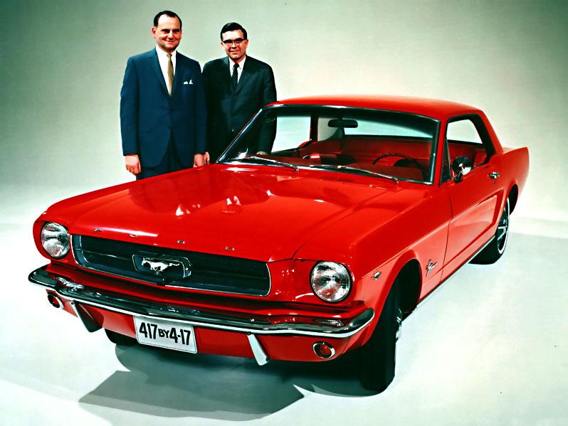 Insgesamt konnte Ford 121.538 Mustangs aus der allerersten Serie absetzten.