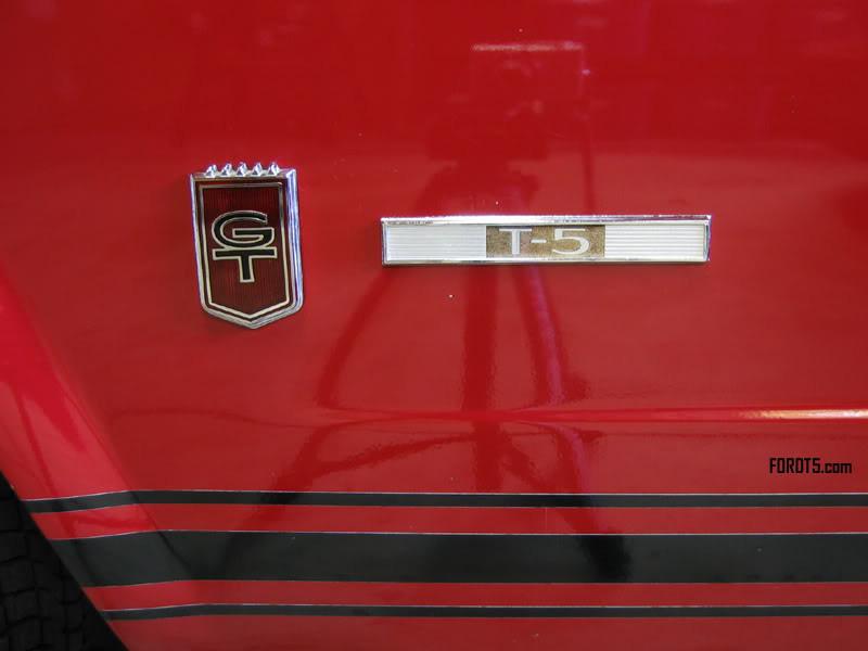"""Für den deutschen Markt mussten also alle """"Mustang"""" Embleme ... (Bild: fordT5.com)"""