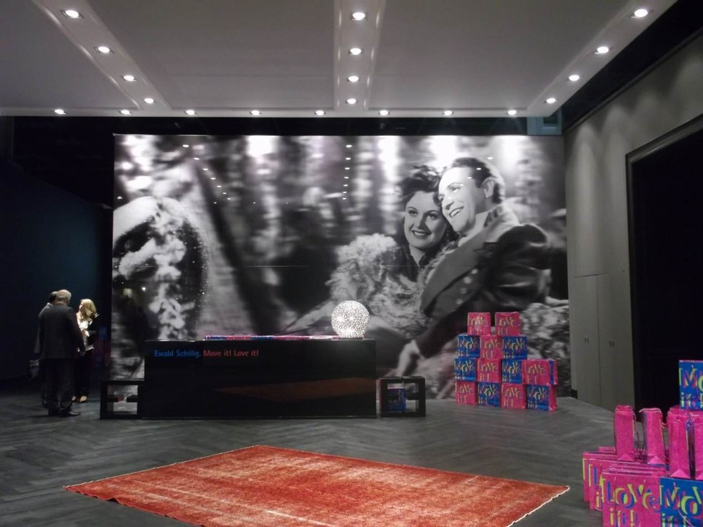 EWALD SCHILLIG | Großes Kino im Grandhotel