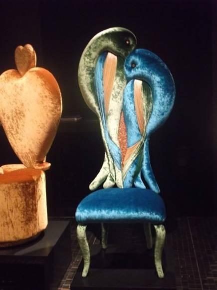 SICIS | Mehr Skulptur als Sitzmöbel.