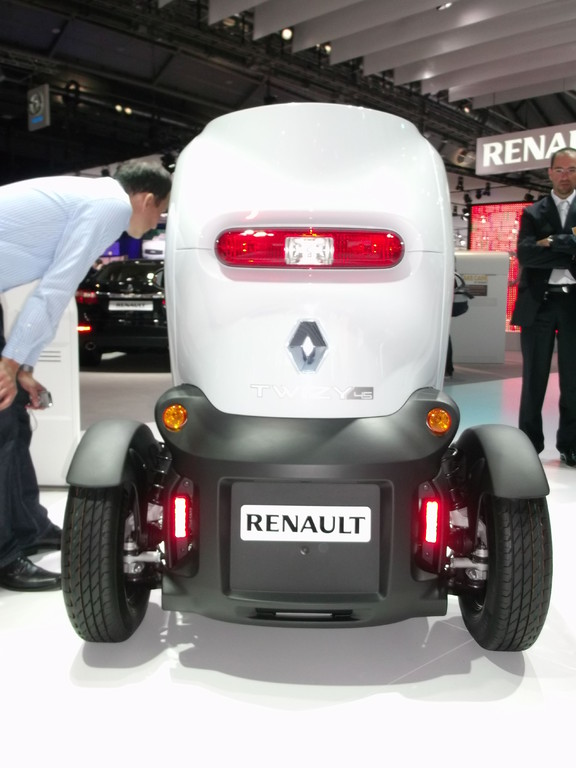 RENAULT | Muss e-mobility so aussehen?
