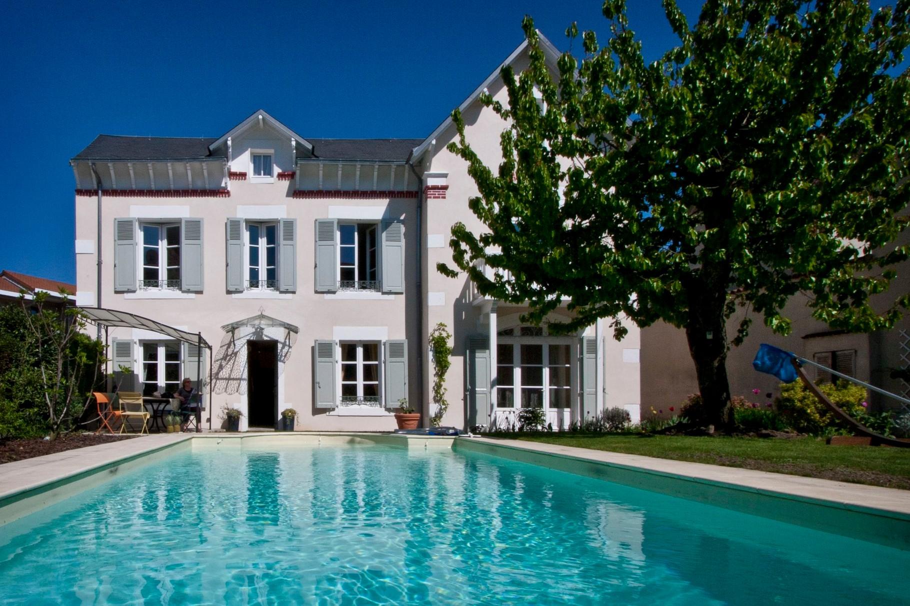 La piscine du clos Jargot chambre d h´tes du clos Jargot  Limoges