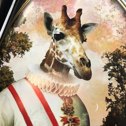 André Sanchez et sa collection d'ancêtres tous plus savoureux les uns que les autres... Ici, on reconnaît Kaiser Gina. A découvrir en boutique sous forme de cartes et d'affiches.