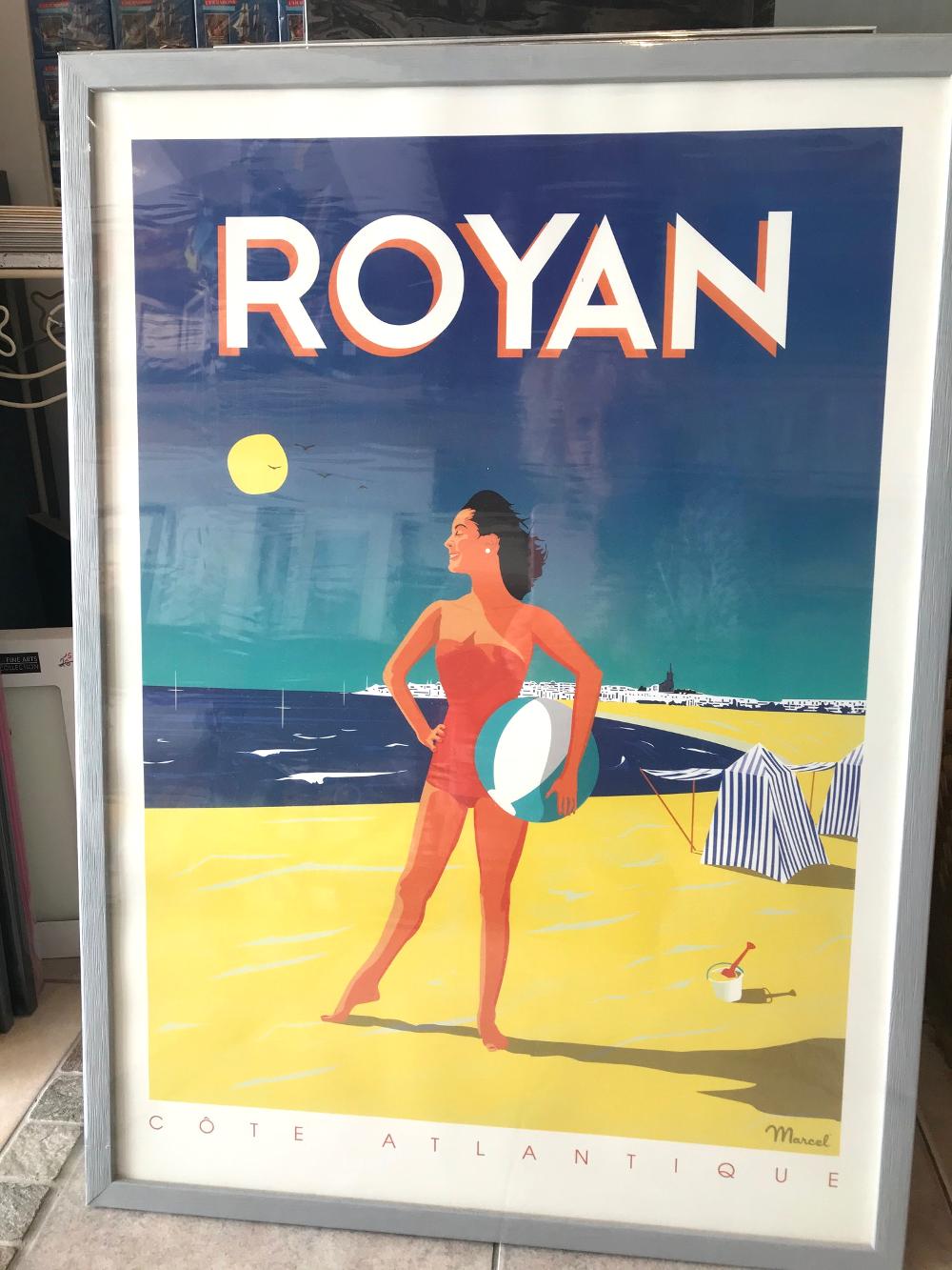 """""""ROYAN"""", Marcel Affiche encadrée. Dimensions extérieures : 52 x 72 cm Affiche : 25€ Cadre gael 20 gris bleu : 39,80€ L'ensemble : 64,80€"""