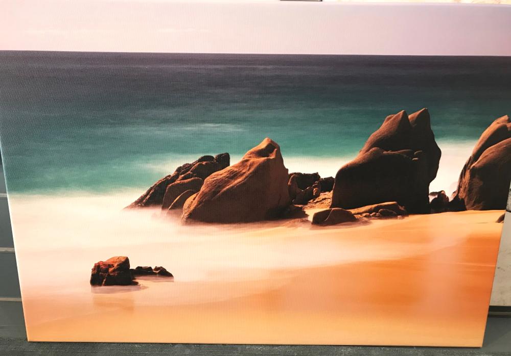 """""""LOS CABOS"""", de Wim Westfield Reproduction imprimée sur toile et tendue sur châssis. Dimensions : 49 x 70 cm Prix : 145€"""