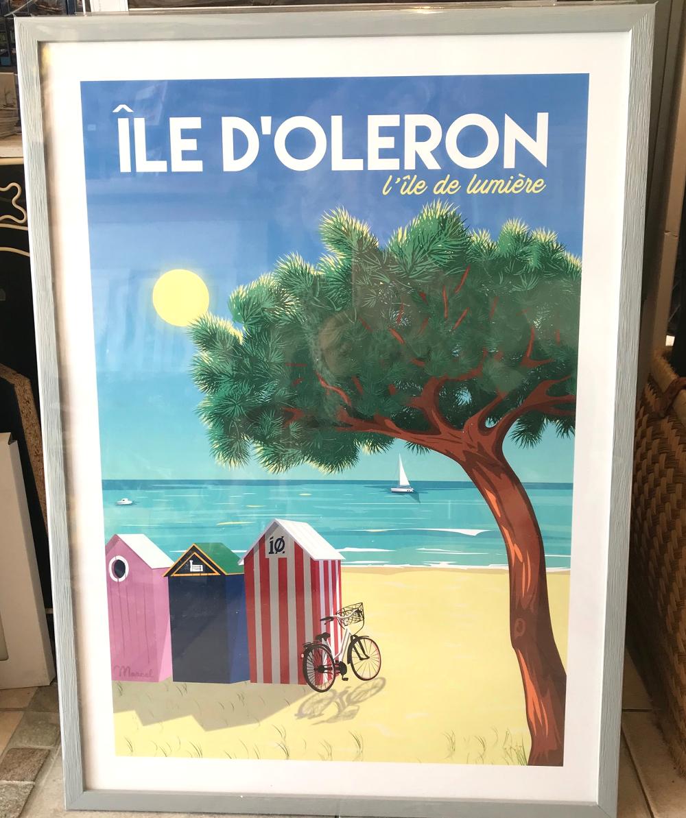 """""""Les cabines de plage de Saint-Denis d'Oléron"""", Marcel Affiche encadrée, dimensions extérieures 53 x 73 cm Prix de l'affiche : 25€ Prix du cadre gael 20 gris : 39,80€ L'ensemble : 64,80€"""