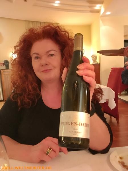 Aus der Weinkarte wählten wir dann einen 2015er