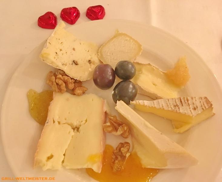 """Käse vom Brett und Dessertauswahl """"Valentin"""""""