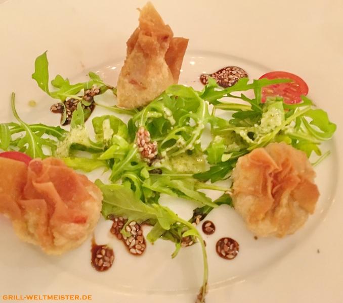 Thunfischtartar im Wan-Tanteig gebacken