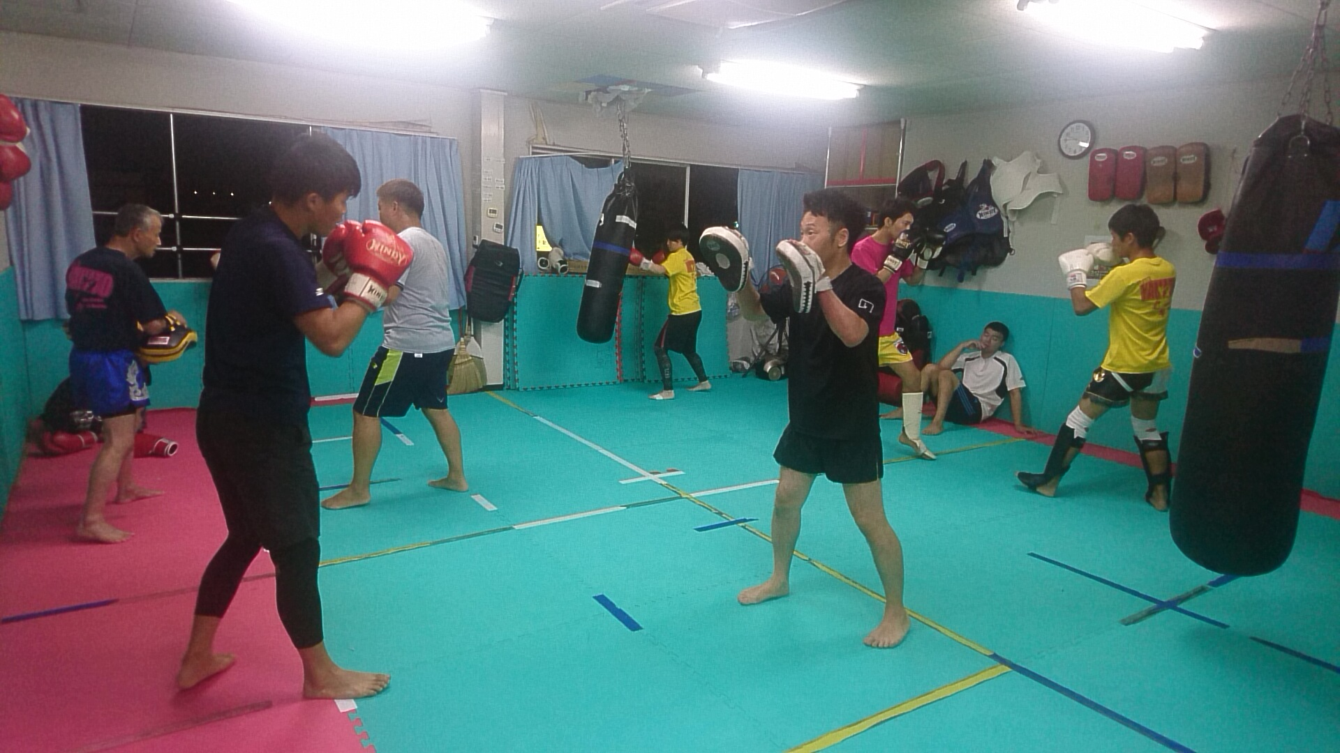 キックボクシングteamYAMATOは各自のレベルでの練習をしています。