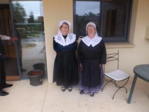 groupe folklorique en dordogne danse et musique les ménestrels sarladais  chants traditionnel folklorique costumes traditionnels occitan folklore en périgord noir