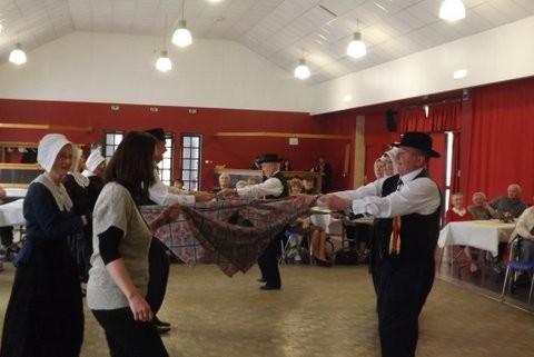 les ménestrels sarladais groupe folklorique en dordogne danse et musique  chants traditionnel folklorique costumes traditionnels occitan folklore en périgord noir