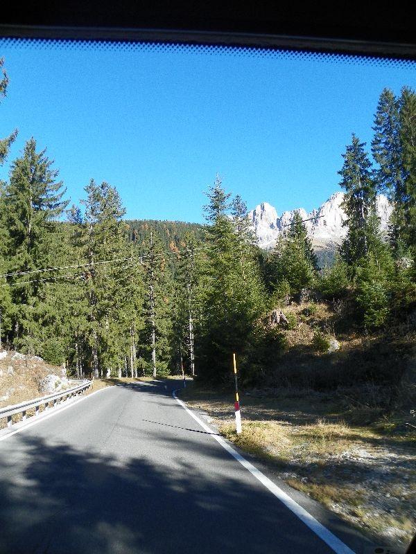 Schon toll, was die Alpenländer so im Straßenbau und zu deren Sicherung leisten