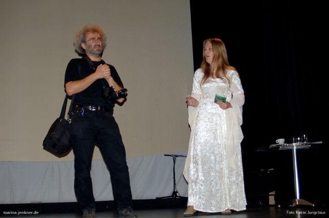 Intermediale Buchvorstellung am 27.10.2006 im REX-Theater Wuppertal: Eine kleine Einführung von Marina Jenkner und Christoph Müller.