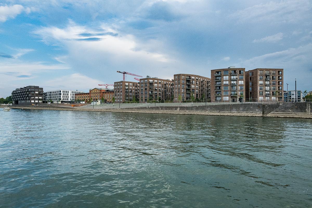 Aha - Mainz in Sicht - wird das hier eine Verkaufsveranstaltung für Eigentumswohnungen?