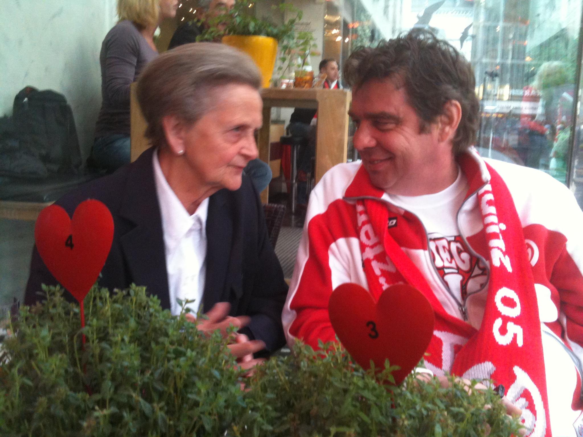 Mama Hafner im Gespräch mit Jochen Lindroth im HDW
