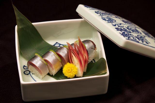 オーナーによるオリジナル和食をお楽しみください。