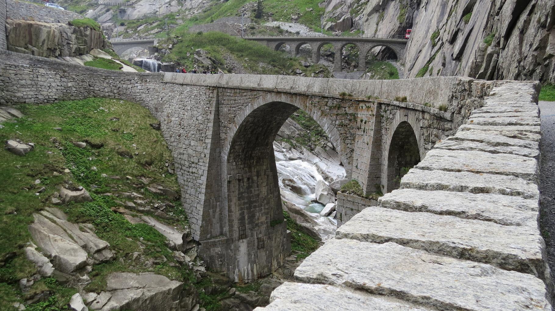 красноярске, купить фотографии чертова моста в альпах зимой профессионала