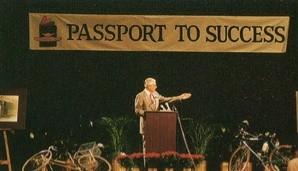 奨学資金「パスポート・トゥ・サクセス」の創設を発表(1988年・60歳)