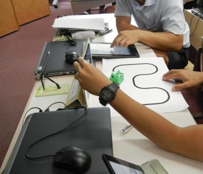 マイクロ相撲ロボットを使ったプログラミング体験