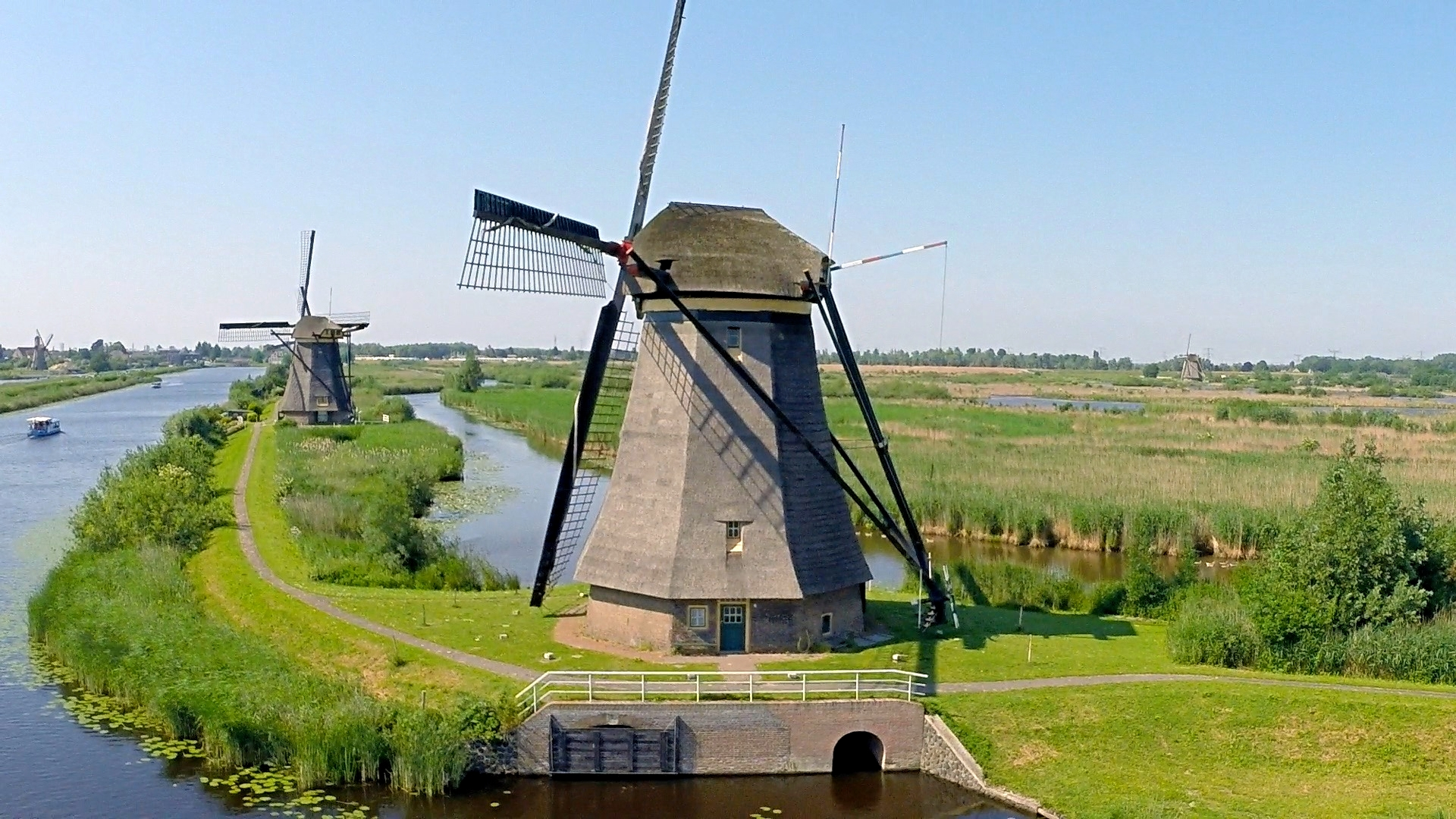 Historic Windmills at Kinderdijk, the Netherlands