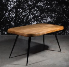 "Charlotte Perriand Table "" 6 couverts"". Foto: Artcurial, Paris"