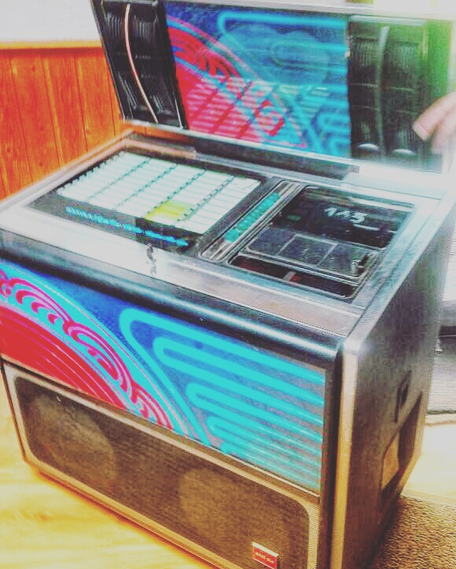 Rock-ola Jukebox @ Collage Gallery Vintage Interior & Classic Design
