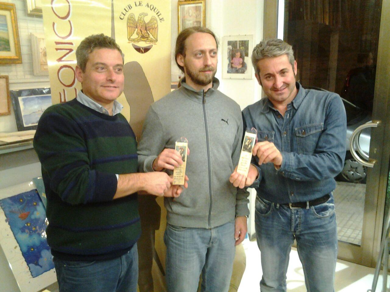 Il Presidente del club consegna i premi ai vincitori di un mini-torneo sperimentale combattuto con Lasalle