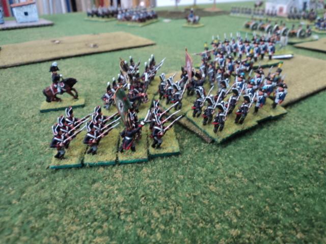 La fanteria prussiana attacca una collina difesa dalla fanteria francese di Fausto...Ma non è il vero obiettivo in attacco degli alleati!