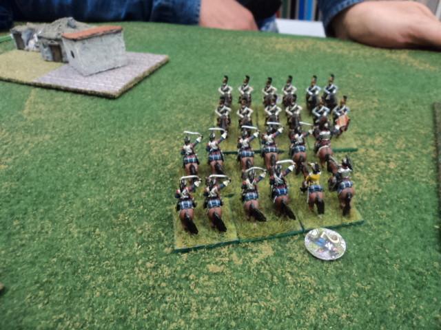 Le rispettive riserve si sono ingaggiate in un duello che durerà fino alla fine della battaglia
