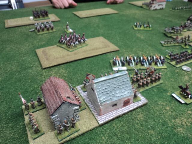 La cavalleria russa tenta di attaccare sul fianco ma è rallentata dai terreni accidentati...