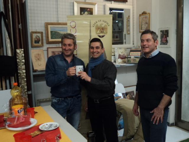Il Veterano 2014 Mariano Capozzi riceve il premio dal Vice-Presidente Franco Iacca