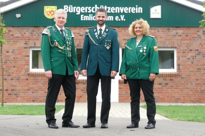 1. stellv. Kassierer Hermann Ahuis, Schatzmeister Christian Trüün, 2. stellv. Kassiererin Julia ter Lüün (v.l.)
