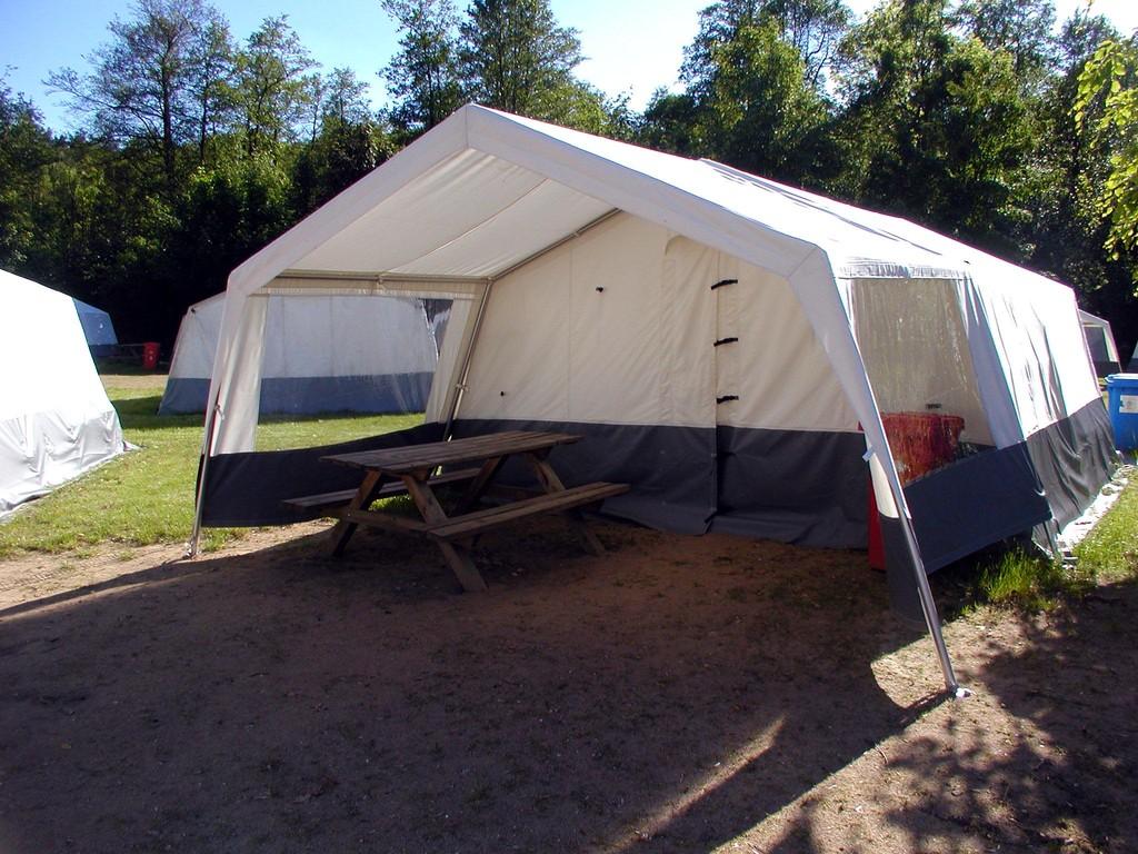 Zelt mit Vorbau