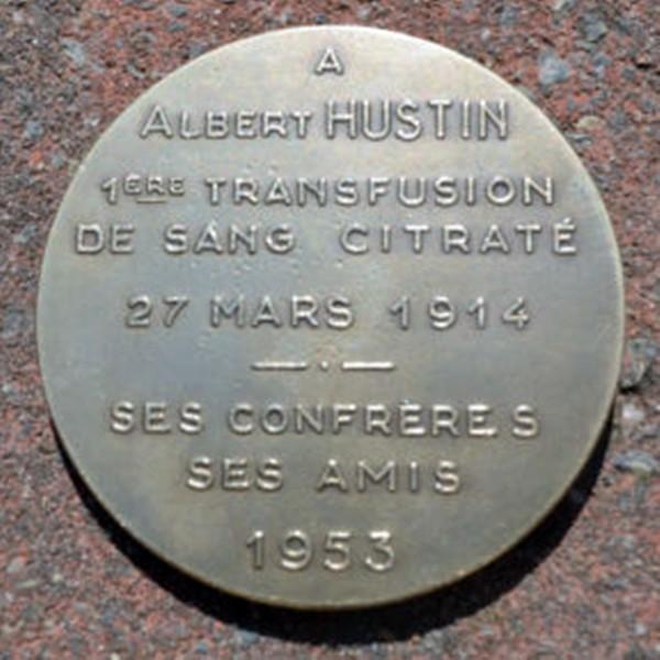 Dorso Medalla Homenaje del Dr. Albert Hustin 1953 Primera Transfusión de Sangre Citratada, 27 de Marzo 1914... Grabado por por el Escultor Bonnetain en 1952. Diámetro 60 mm. Metal Bronce Plateado de 105 gramos.