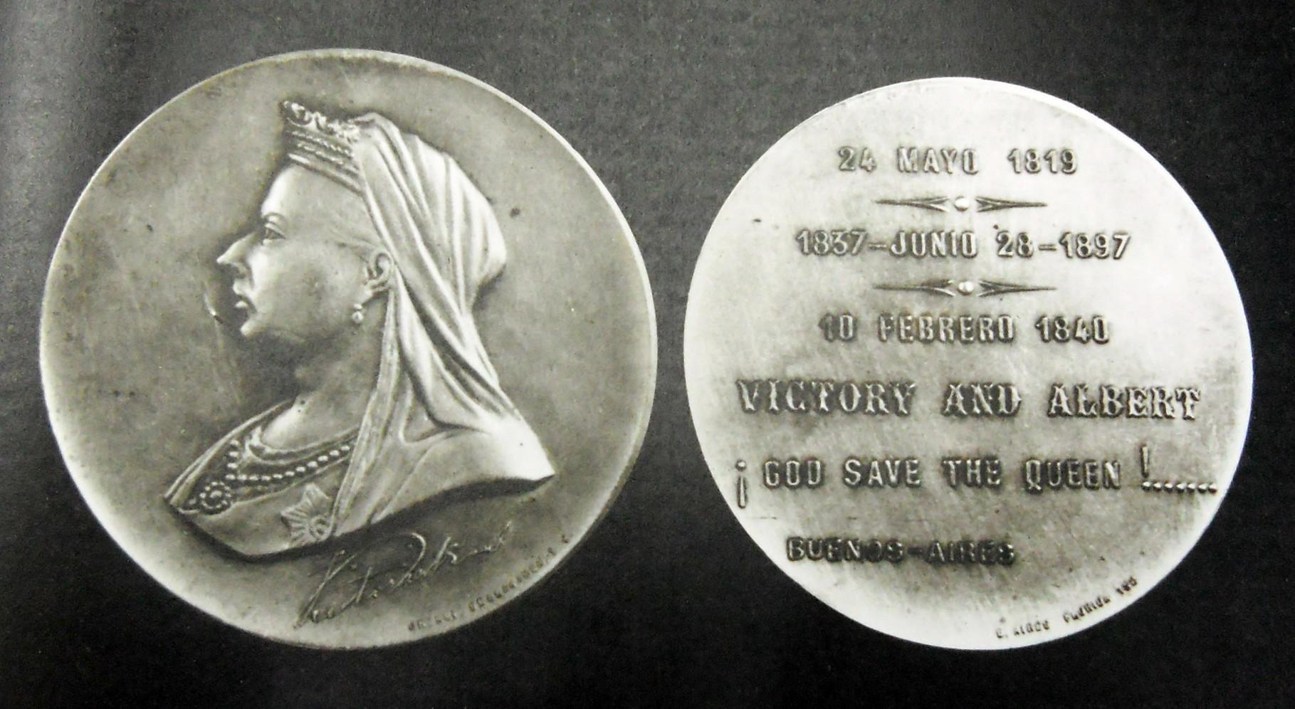 Reina Victoria, transmitió a su descendencia el gen de la Hemofilia.