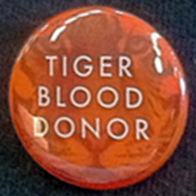 Pin Donante de Sangre Tigre.