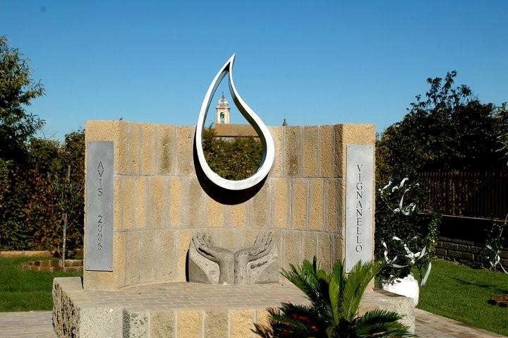 Monumento al Donante, AVIS Vignanello, Italia, 2006.