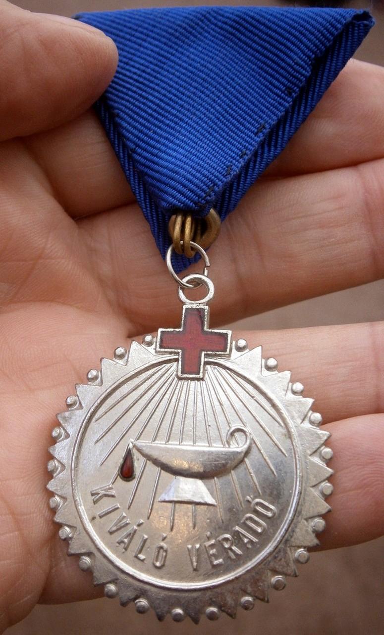 Blood Donor Silver, Medalla por las 30 Donaciones. Hungría.