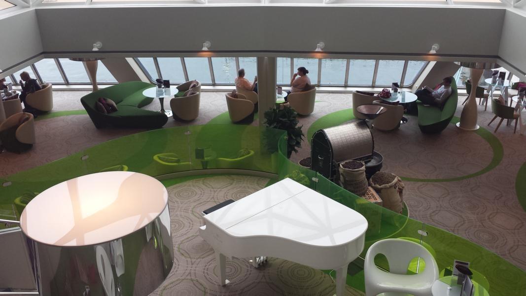 Cafe-Lounge im Diamanten