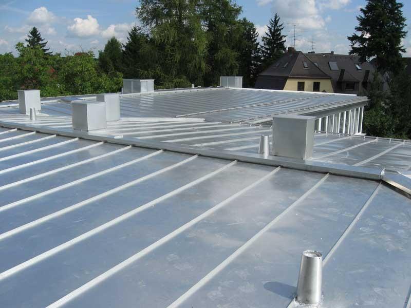 Energetische Sanierung mit Blecheindeckung