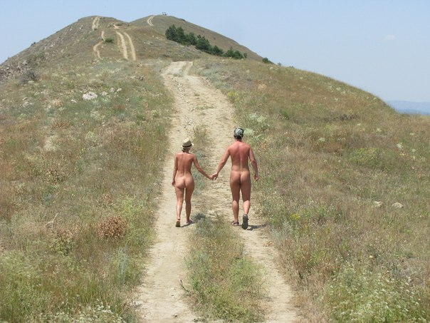 Hiking nude is great