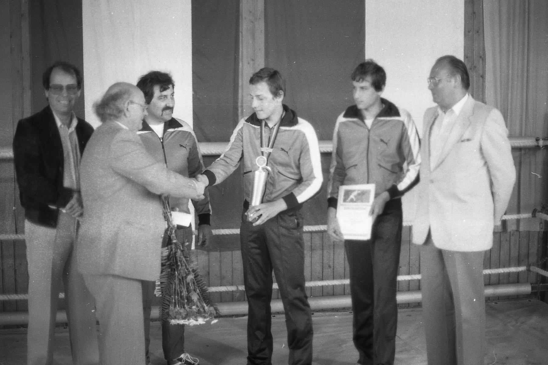 Ehrungen der BSC 54 Jugend durch Bgm. Hans Pfeiffer