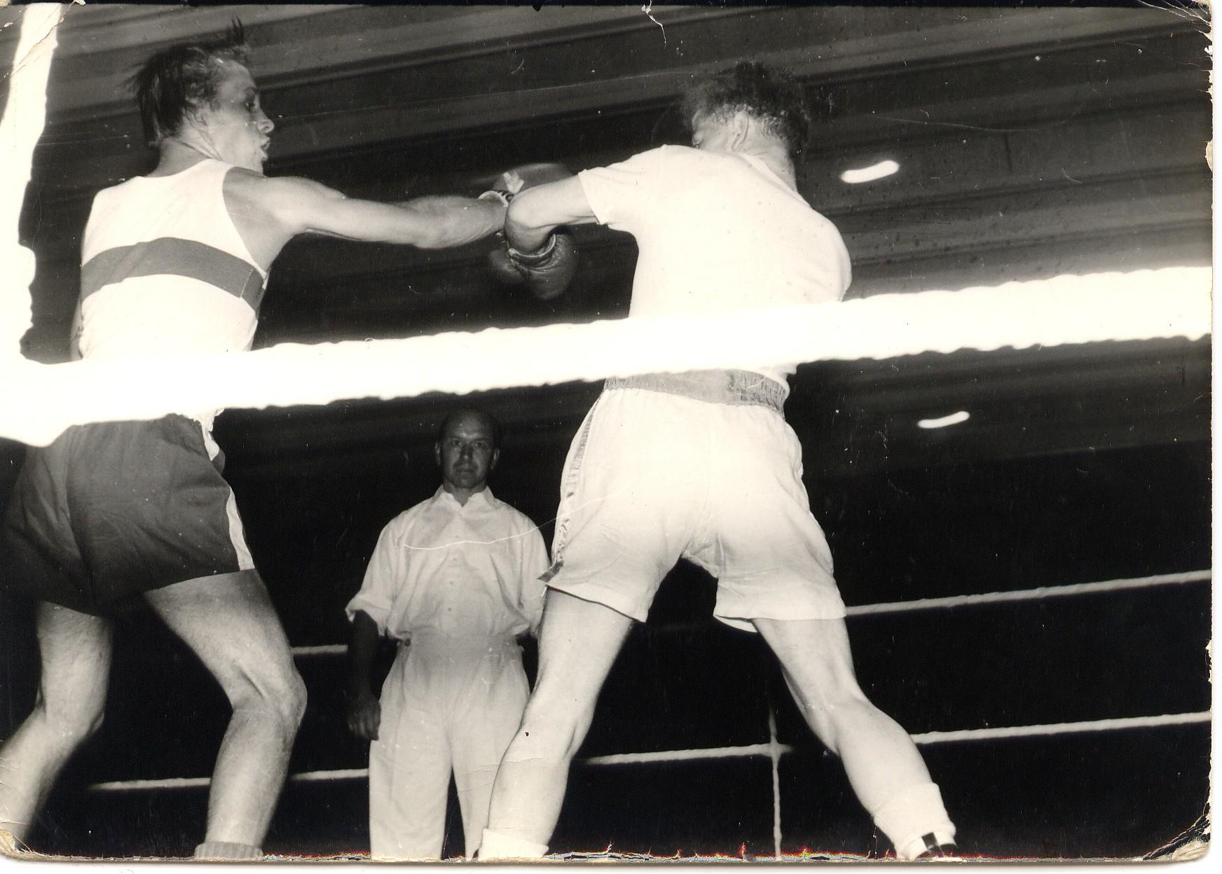 Heinrich Sommer boxt für Hessen,links