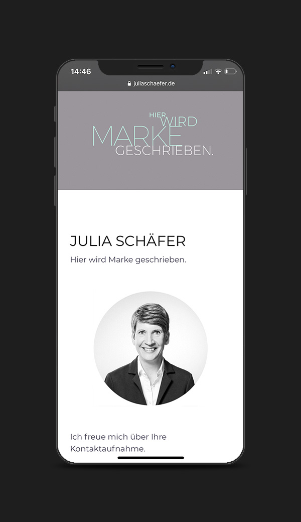 Typografische Website für Julia Schäfer, Texterin aus Karlsruhe